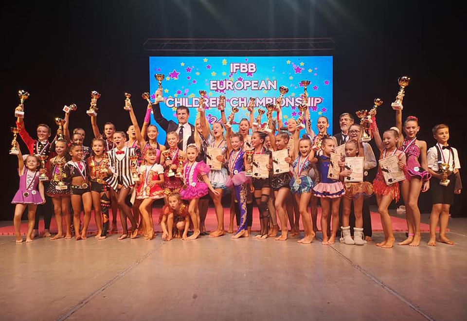 f20462b47f4eb Nitrianske talentované fitnesky z GymGol klubu Nitra získali trikrát  európske zlato | TV Nitrička